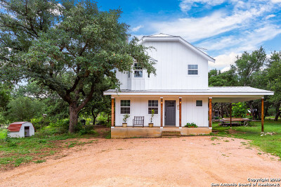 Boerne Single Family Home New: 111 Smokey River N