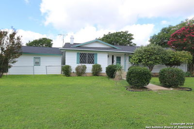 Castroville Single Family Home For Sale: 1002 Athens