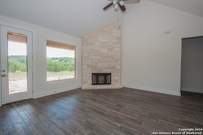 Canyon Lake Single Family Home For Sale: 180 Yucca Dr