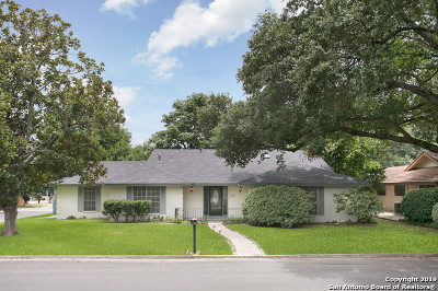 Windcrest Single Family Home For Sale: 722 Candleglo