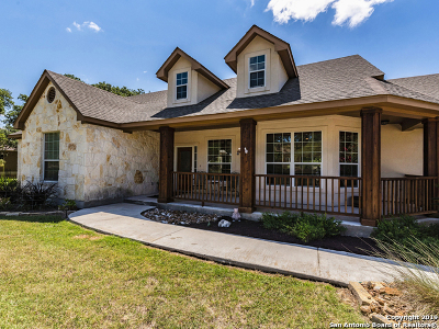 New Braunfels Single Family Home For Sale: 1026 Bridlewood