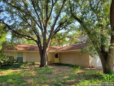 Atascosa County Single Family Home For Sale: 1246 Encino Dr