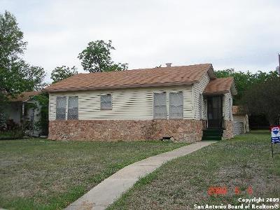 San Antonio Single Family Home For Sale: 251 Lyric St