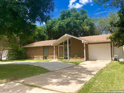 Live Oak Single Family Home For Sale: 214 Shin Oak Dr