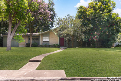 San Antonio Single Family Home New: 210 Woodcrest Dr