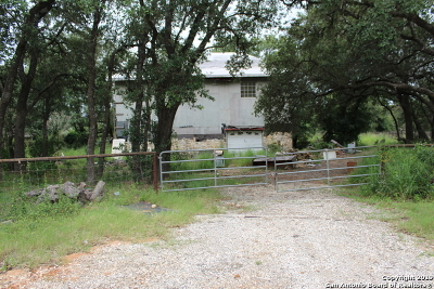 Poteet Single Family Home For Sale: 1027 Gayle Ln