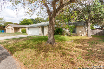 Single Family Home New: 8618 Tanbark Dr