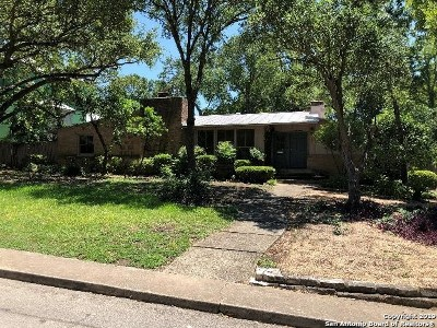 Olmos Park Single Family Home For Sale: 210 E Wildwood