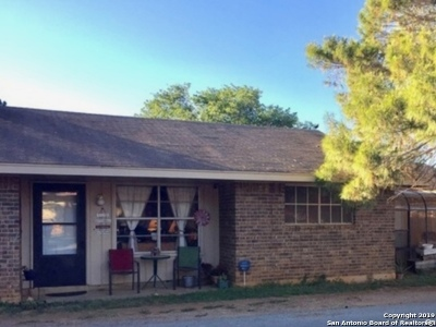 Frio County Single Family Home For Sale: 104 Ann St