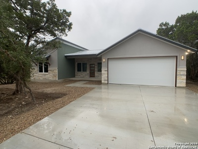 Canyon Lake Single Family Home For Sale: 1296 Canyon Shores