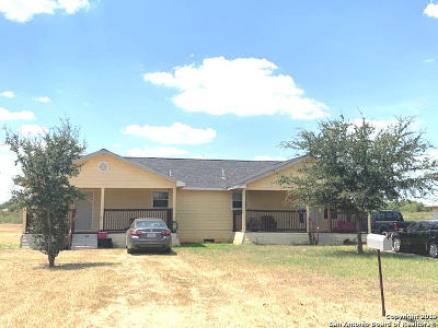 Frio County Single Family Home For Sale: 1301 Moore St