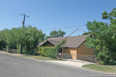 Castroville Single Family Home For Sale: 1491 County Road 4713