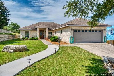 Kerrville Single Family Home For Sale: 107 Castle Pines