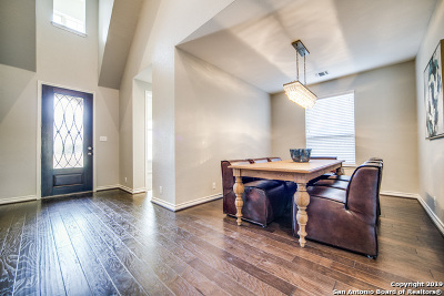 Kendall County Single Family Home For Sale: 137 Cimarron Creek