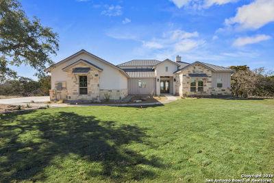 Kerrville Single Family Home For Sale: 133 Center Oaks Ct