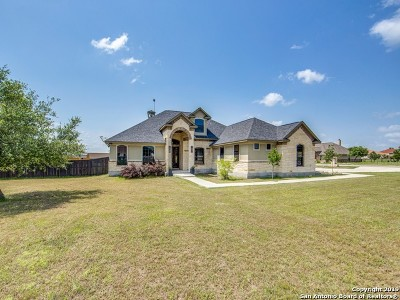 Floresville TX Single Family Home Price Change: $467,500