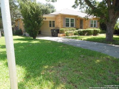 Frio County Single Family Home For Sale: 905 E Taft