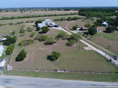 New Braunfels Single Family Home For Sale: 280 Lakecreek Dr