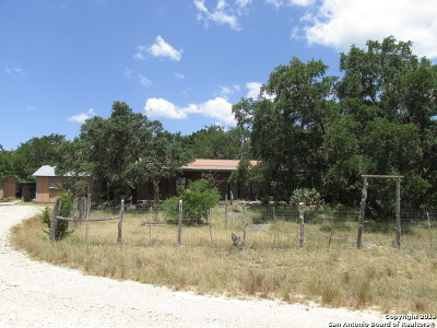Bandera County Single Family Home For Sale: 1063 Little Creek Rd