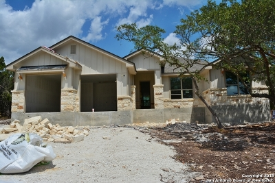Canyon Lake Single Family Home For Sale: 388 Primrose Path