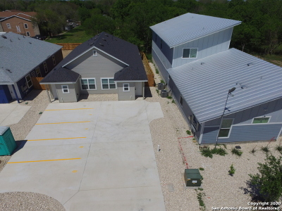 Seguin Multi Family Home For Sale: 938 Country Club Dr