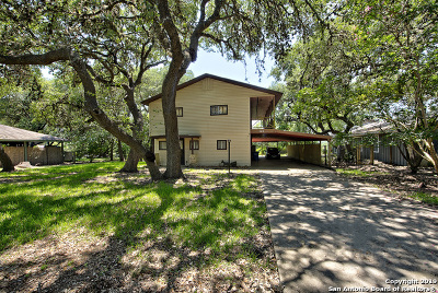 Canyon Lake Single Family Home For Sale: 957 Park View Loop