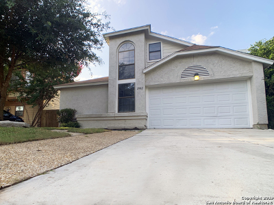 Single Family Home Active Option: 2982 Ash Field Dr