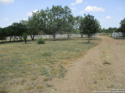 Hondo Residential Lots & Land Active Option: 313 Pr 6430