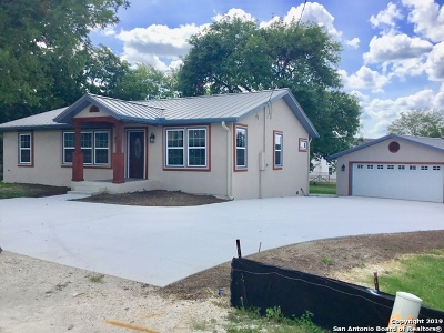 New Braunfels Single Family Home For Sale: 2844 Morningside Dr