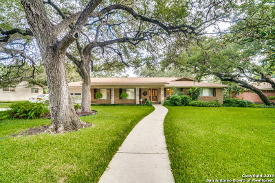 San Antonio Single Family Home For Sale: 327 Royal Oaks Dr
