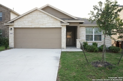 San Antonio Single Family Home For Sale: 8819 Mustang Pass