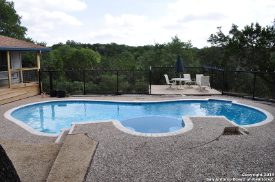 New Braunfels Single Family Home For Sale: 28910 Country Dr