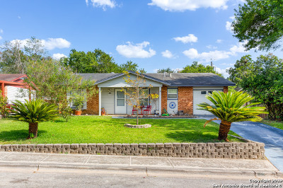 Schertz Single Family Home Active Option: 212 Marilyn Dr