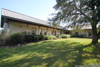 Floresville TX Single Family Home For Sale: $675,000
