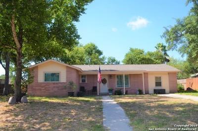 Atascosa County Single Family Home Active Option: 1107 Harvey Ave