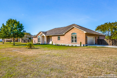 Floresville TX Single Family Home New: $387,000