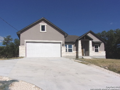 Canyon Lake Single Family Home Active Option: 126 Garrett Way