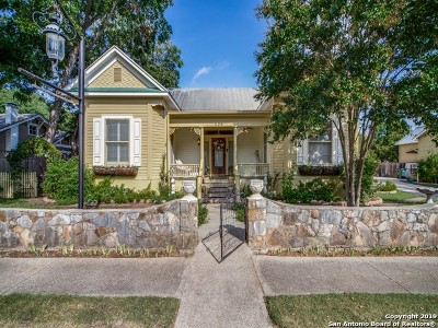 Single Family Home For Sale: 426 7th St