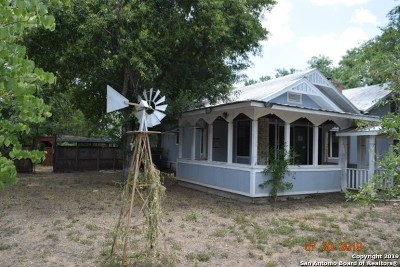Atascosa County Single Family Home For Sale: 343 Village Dr