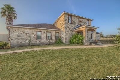 La Vernia Single Family Home New: 107 Ranch Country Dr