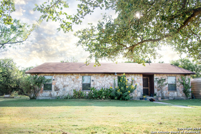 Castroville Single Family Home New: 211 County Road 468