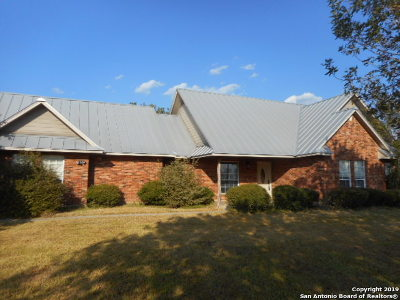 Atascosa County Single Family Home New: 65 Country Trail