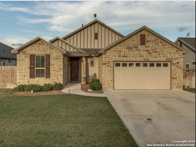 Atascosa County Single Family Home New: 302 Valley Forge