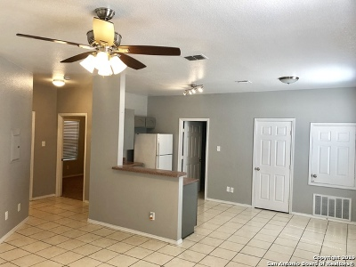 San Antonio Rental New: 1707 Dawson St #1101
