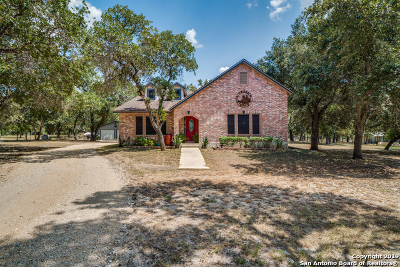 Floresville TX Single Family Home New: $315,000