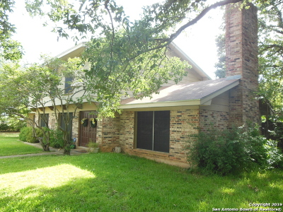 Frio County Single Family Home For Sale: 626 Bryan St