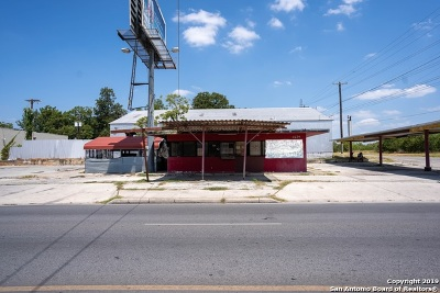 Commercial Active Option: 1624 S New Braunfels Ave