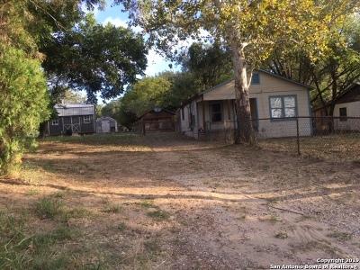 Atascosa County Single Family Home New: 426 Virginia St