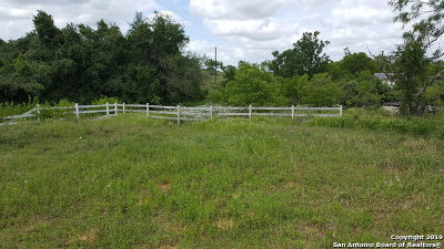 Floresville TX Single Family Home New: $149,900