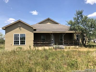 Atascosa County Single Family Home New: 68 Jean Rd